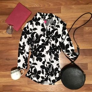 Vince Camuto xs blouse black and white